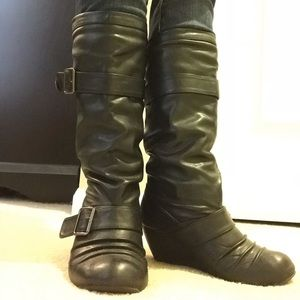 FAUX LEATHER PULL ON BOOTS